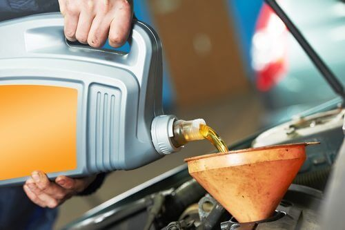 Synthetic vs. Conventional Motor Oil